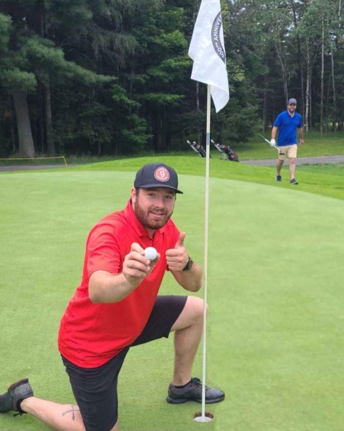 Golfeur professionnel en un été